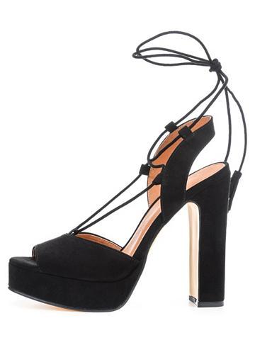 Quastendetail sandalai