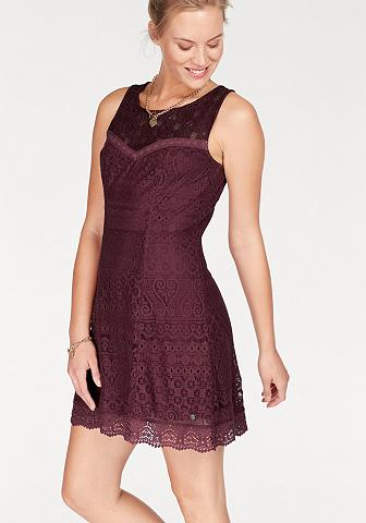 Nėriniuota suknelė