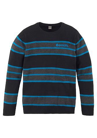BENCH. Megztinis apvalia iškirpte