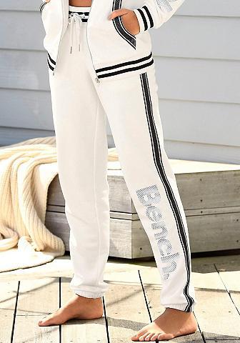 Bench. Sportinio stiliaus kelnės su Logodruck...