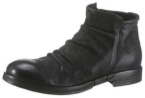 A.S.98 Suvarstomi batai »Acton«