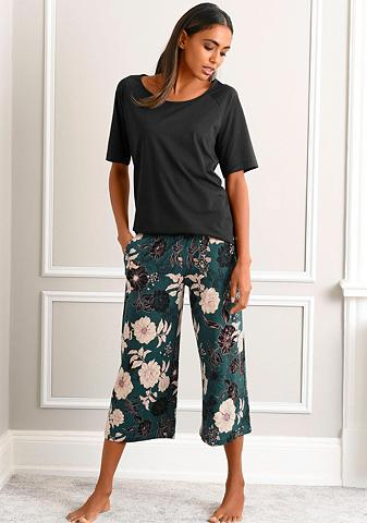 s.Oliver Capri-Pyjama su geblümter 3/4-Culotte