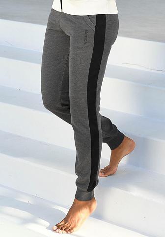 Bench. Sportinio stiliaus kelnės su Seitenstr...