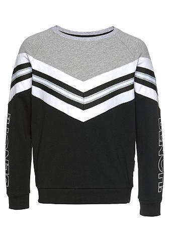 Bench. Sportinio stiliaus megztinis in weiter...