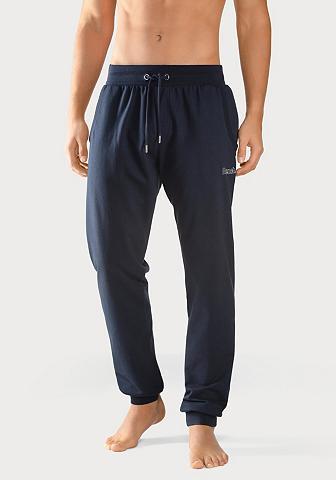 Bench. Sportinio stiliaus kelnės su platus Bü...
